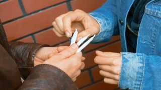 Арест наркодиллеров, сбывавших гашиш подросткам