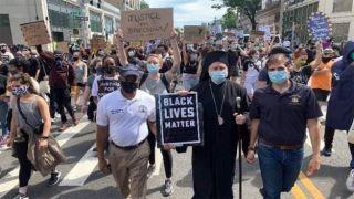 Архиепископ Элпидофор присоединился к маршу протеста в Бруклине